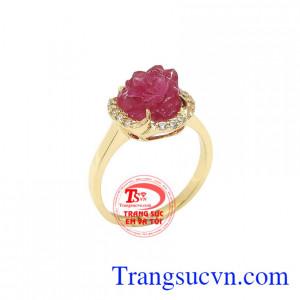 Nhẫn nữ Ruby Hoa Hồng là sản phẩm nhẫn nữ đẹp vàng tây đẹp, được chế tác tỉ mỉ, sang trọng