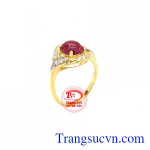 Nhẫn nữ Ruby quý phái là sản phẩm đem lại nhiều may mắn về phong thủy cho người sở hữu.