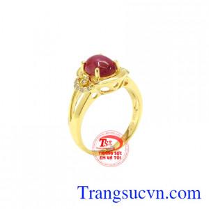 Nhẫn nữ Ruby sang trọng là sản phẩm hiện đang được nhiều người yêu thích và lựa chọn.