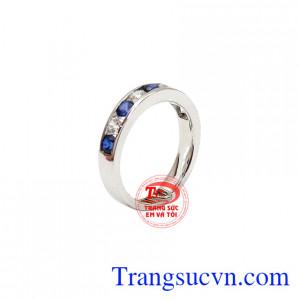 Nhẫn nữ Sapphire xanh là sản phẩm đá sapphire thiên nhiên, có giấy kiểm định,Nhẫn nữ Sapphire xanh