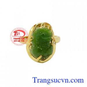 Ngọc Bích đã được biết đến là loại ngọc quý rất được các tầng lớp vua chúa, quan lại xem như là bảo bối bởi ngọc bích đem lại may mắn và rất tốt cho sức khỏe