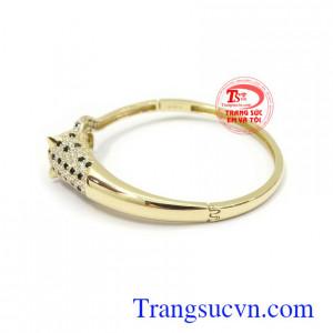 Vòng tay vàng Korea xinh xắn là dòng sản phẩm rất được ưa chuộng, là món quà ý nghĩa cho người yêu thương