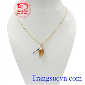 Bộ dây chiếc lá thịnh vượng là bộ trang sức đẹp sang trọng dành cho phái nữ