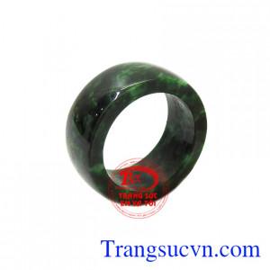 Nhẫn ngọc jadeite thiên nhiên đẹp