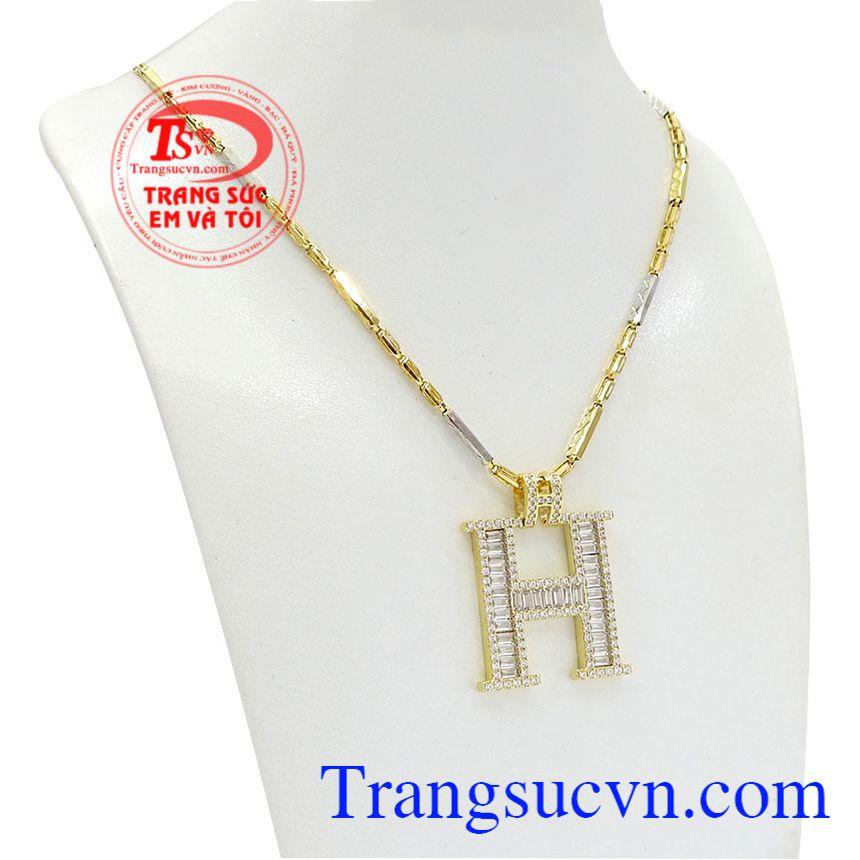 Bộ trang sức chữ H sang trọng là sự kết hợp mặt dây và dây chuyền vàng tây 10k.