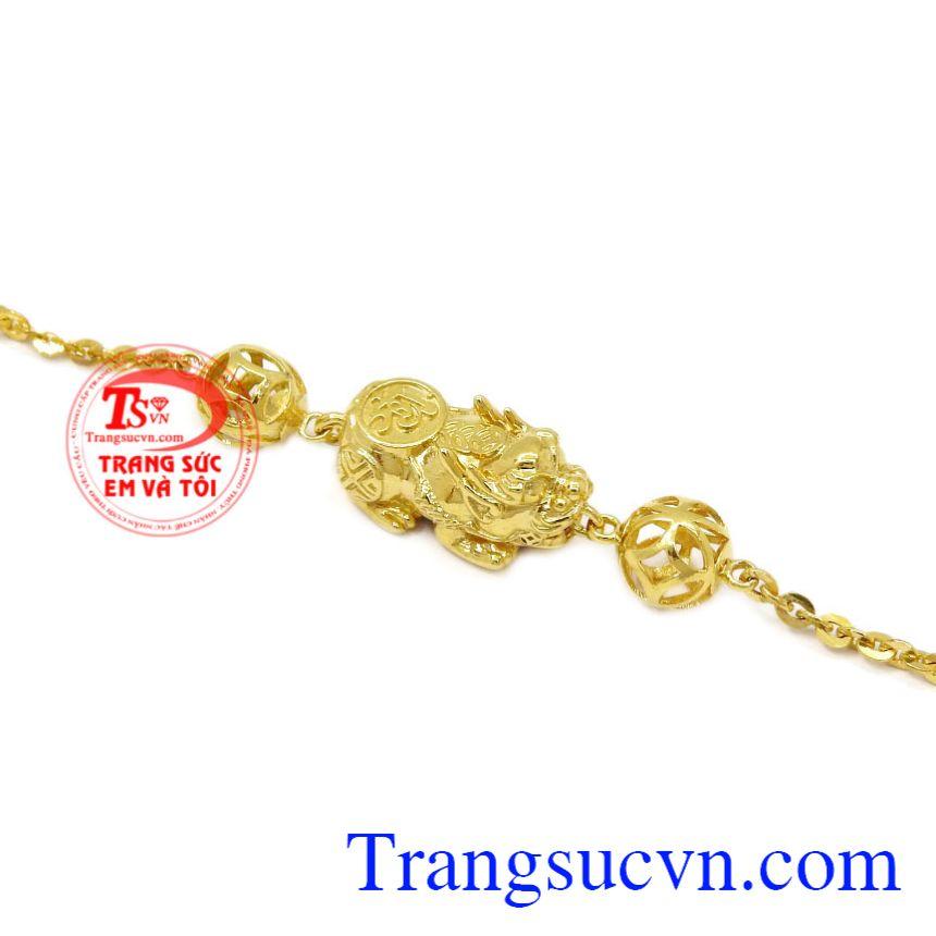 Lắc tay nữ vàng tỳ hưu được thiết kế, tinh tế, bắt mắt.