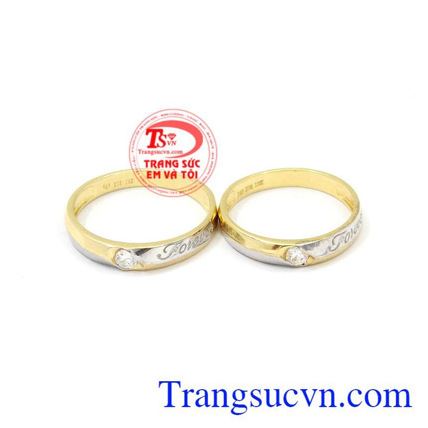 Nhẫn cưới Forever hạnh phúc được thiết kết thời trang, tinh tế.