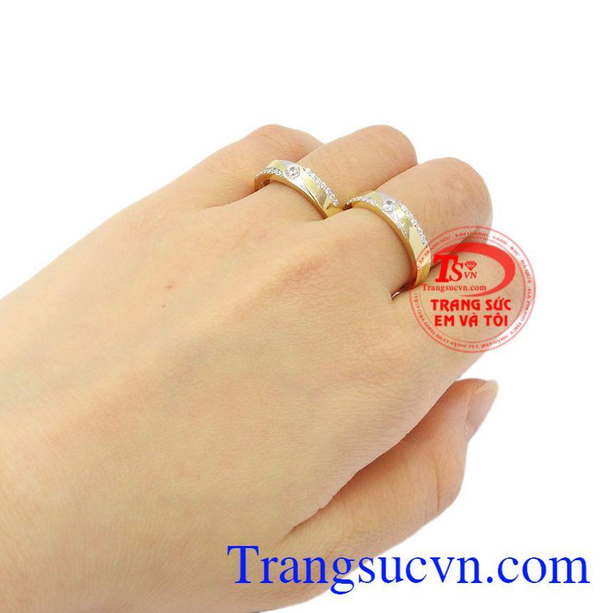 Nhẫn cưới vàng tình yêu lứa đôi Korea giao hàng trên toàn quốc.