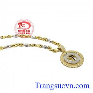 Mặt dây chuyền nam chữ T có thể đeo được 2 kiểu, sản phẩm thời trang mang đến phong cách lịch lãm dành cho phái mạnh