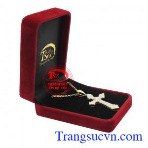 Mặt dây đem đến sự sang trọng và tinh tế, thích hợp làm quà tặng cho người thân và bạn bè