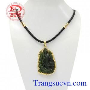 Bộ mặt dây quan âm Nephrite là sản phẩm đem lại may mắn, tài lộc cho người đeo.