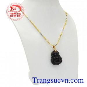 Phật Di Lặc là biểu tượng của thịch vượng, tài lộc. Bộ mặt dây vàng Di Lặc