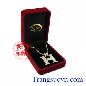 Bộ trang sức được bảo hành uy tín, giao hàng toàn quốc. Bộ trang sức chữ H sang trọng.