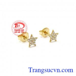 Sản phẩm mang phong cách trẻ trung, năng động, thích hợp làm quà tặng cho người phụ nữ của bạn,Hoa tai nữ vàng ngôi sao