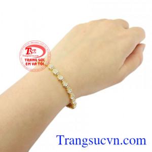 Lắc tay vàng nữ xinh xắn giao hàng trên toàn quốc.