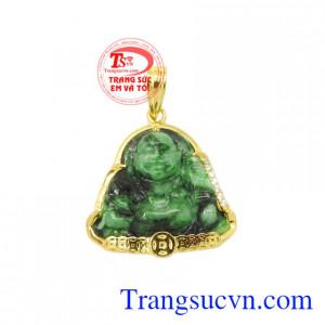 Mặt phật Di Lặc Jadeite thịnh vượng là sản phẩm được chế tác từ vàng 14k và đá Jadeite thiên nhiên.