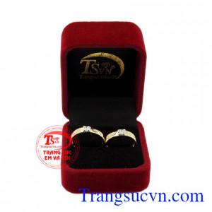 Nhẫn cưới vàng bên nhau trọn đời