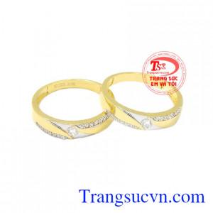 Nhẫn cưới vàng tình yêu lứa đôi mang đến cho cặp đôi một sản phẩm tinh tế, thời trang.