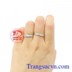 Nhẫn cưới vàng trắng tinh tế vàng 10k giao hàng trên toàn quốc.