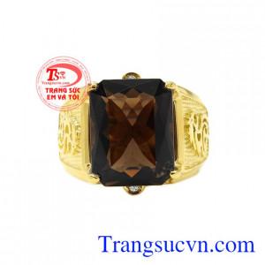 Nhẫn nam vàng thạch anh khói đẹp đem lại vẻ sang trọng, đẳng cấp cho người đeo.