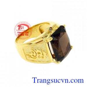 Nhẫn nam vàng thạch anh khói đẹp là món quà hoàn hảo dành cho người thương, người thân trong gia đình.