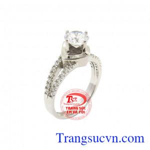 Nhẫn nữ vàng trắng may mắn