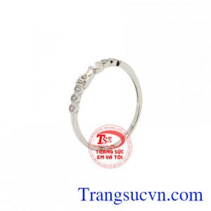 Nhẫn nữ vàng trắng nhỏ xinh
