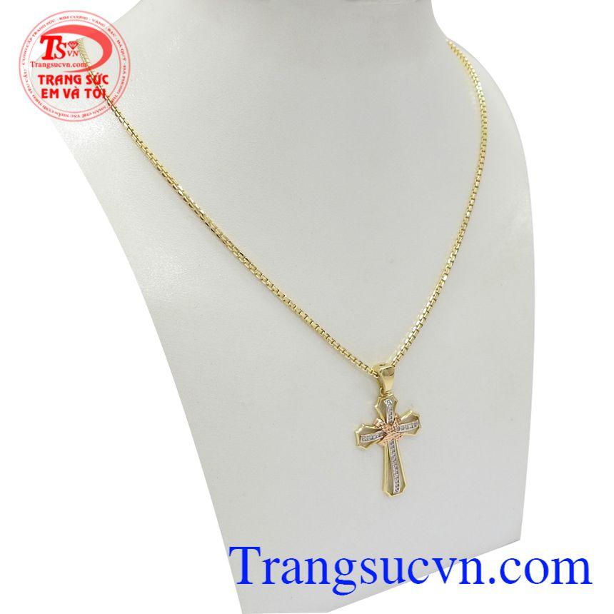 Bộ dây chuyền thánh giá bình an phù hợp nhiều phong cách thời trang và trang phục khác nhau