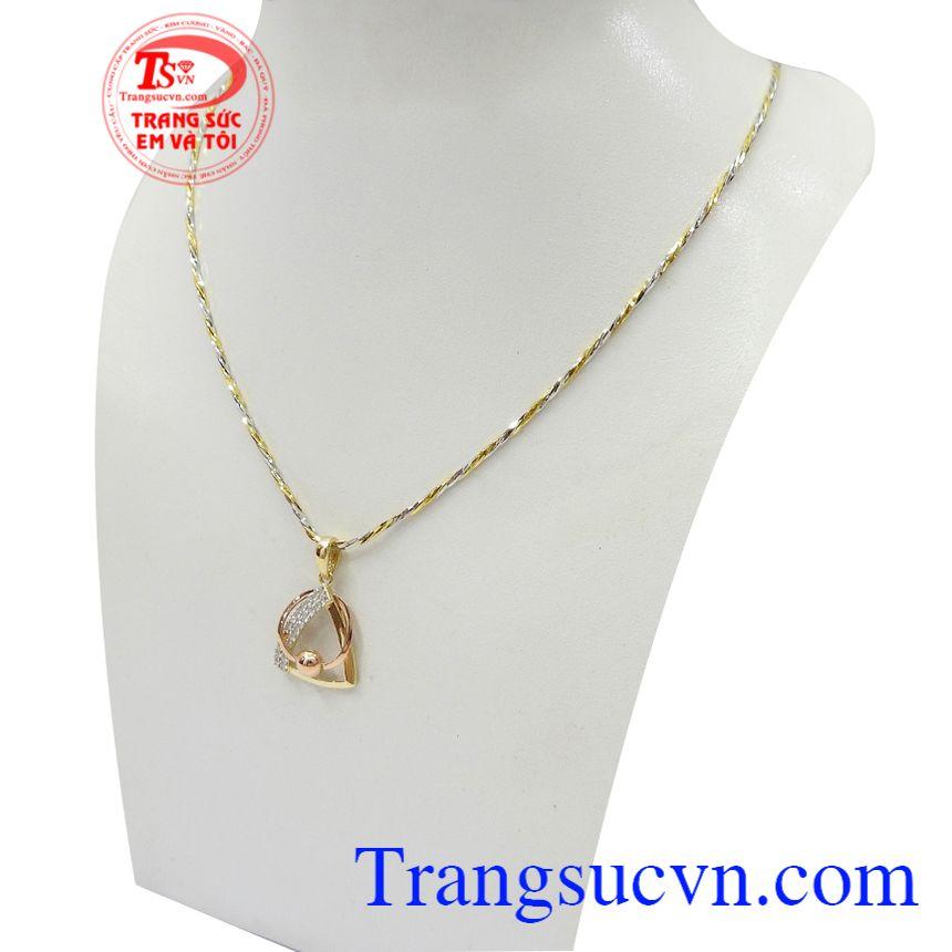 Bộ dây vàng nữ quý phái là dòng sản phẩm rất được phái đẹp ưa chuộng