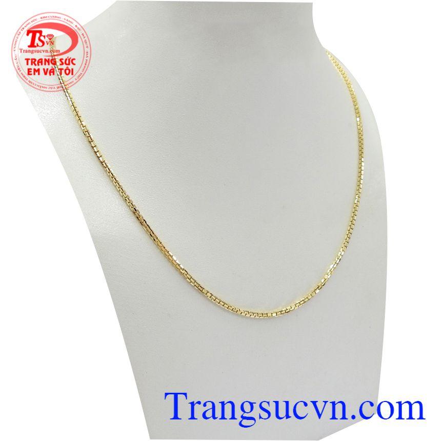 Dây chuyền nam vàng tây phong độ rất được phái mạnh ưa chuộng bởi đường nét thanh mảnh, tinh tế của sản phẩm