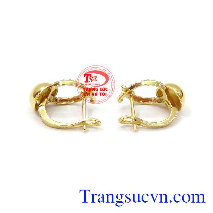 Hoa tai vàng thanh lịch 18k tôn lên sự tươi trẻ, dịu dàng và phong cách riêng cho người đeo