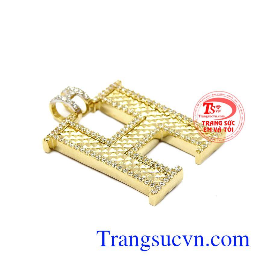 Mặt dây chữ H thời trang được sản xuất theo công nghệ Hàn Quốc đem đến cho người dụng một sản phẩm ấn tượng và độc đáo.