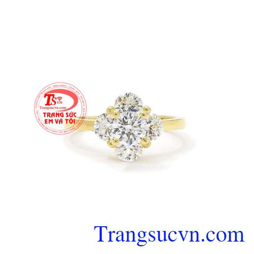 Nhẫn nữ vàng ấn tượng tôn lên vẻ sang trọng, trẻ trung cho người đeo.