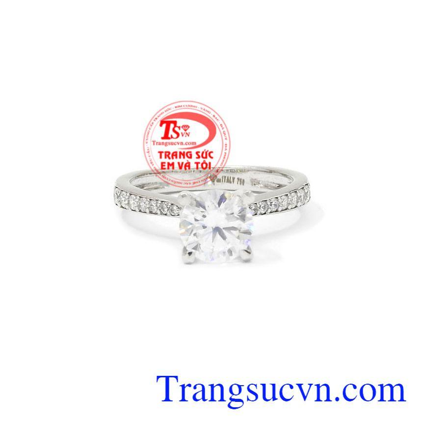Nhẫn nữ vàng trắng tiểu thư được chế tác theo công nghệ Italy từ vàng 18k chất lượng.