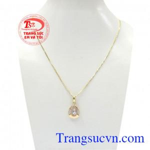 Bộ dây vàng nữ nhã nhặn là bộ trang sức vàng 18k đẹp, được chế tác theo công nghệ Hàn Quốc mới nhất từ vàng đảm bảo chất lượng,Bộ dây vàng nữ nhã nhặn