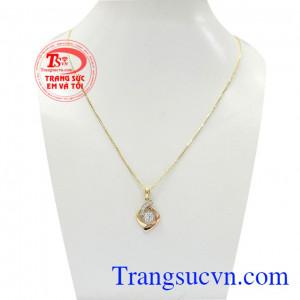 Bộ dây vàng nữ trang nhã là sản phẩm được chế tác tinh tế, bền đẹp từ vàng 18k,Bộ dây vàng nữ trang nhã