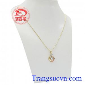 Bộ dây vàng nữ trang nhã mang lại vẻ xinh xắn, nhưng không kém phần nổi bật bắt mắt cho người sử dụng,Bộ dây vàng nữ trang nhã