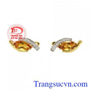 Hoa tai nữ thạch anh vàng đẹp hiện đang được nhiều người yêu thích và chọn lựa.