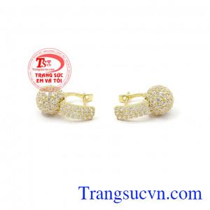 Sản phẩm phù hợp để phối với nhiều kiểu quần áo,Hoa tai vàng dịu dàng