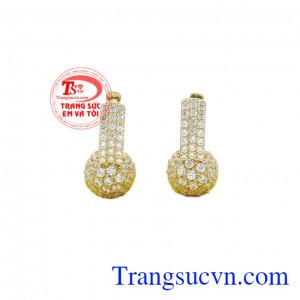 Hoa tai vàng dịu dàng được chế tác tinh xảo, sắc nét, hợp thời trang,Hoa tai vàng dịu dàng