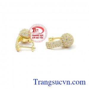 Hoa tai vàng dịu dàng được phái đẹp yêu thích và lựa chọn,Hoa tai vàng dịu dàng