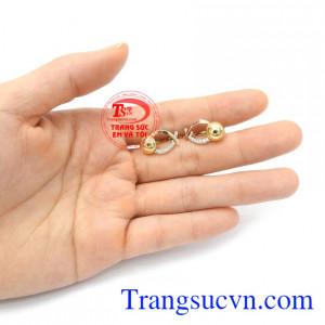 Hoa tai vàng thanh lịch 18k là dòng sản phẩm được phái đẹp đặc biệt ưa chuộng