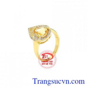 Nhẫn nữ đá thạch anh vàng đẹp