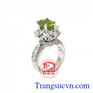 Nhẫn nữ Peridot đẳng cấp