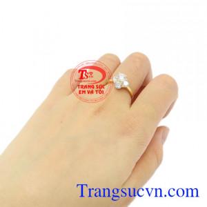 Nhẫn nữ vàng ấn tượng Korea vàng 18k tinh tế, bảo hành 12 tháng.