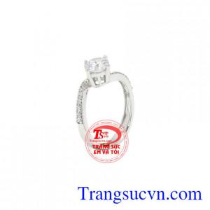 Nhẫn nữ vàng trắng dễ thương