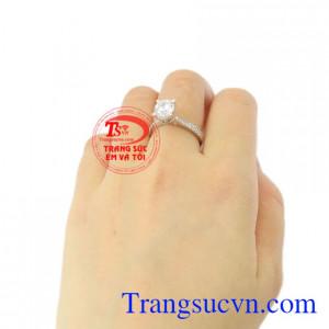 Nhẫn nữ vàng trắng tiểu thư vàng 18k giao hàng trên toàn quốc.