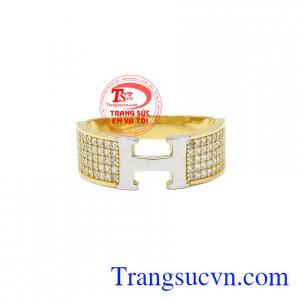Nhẫn vàng chữ H chất lượng được nhiều người ưu chuộng và lựa chọn.