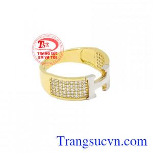 Nhẫn vàng chữ H chất lượng hợp thời trang, tinh tế.