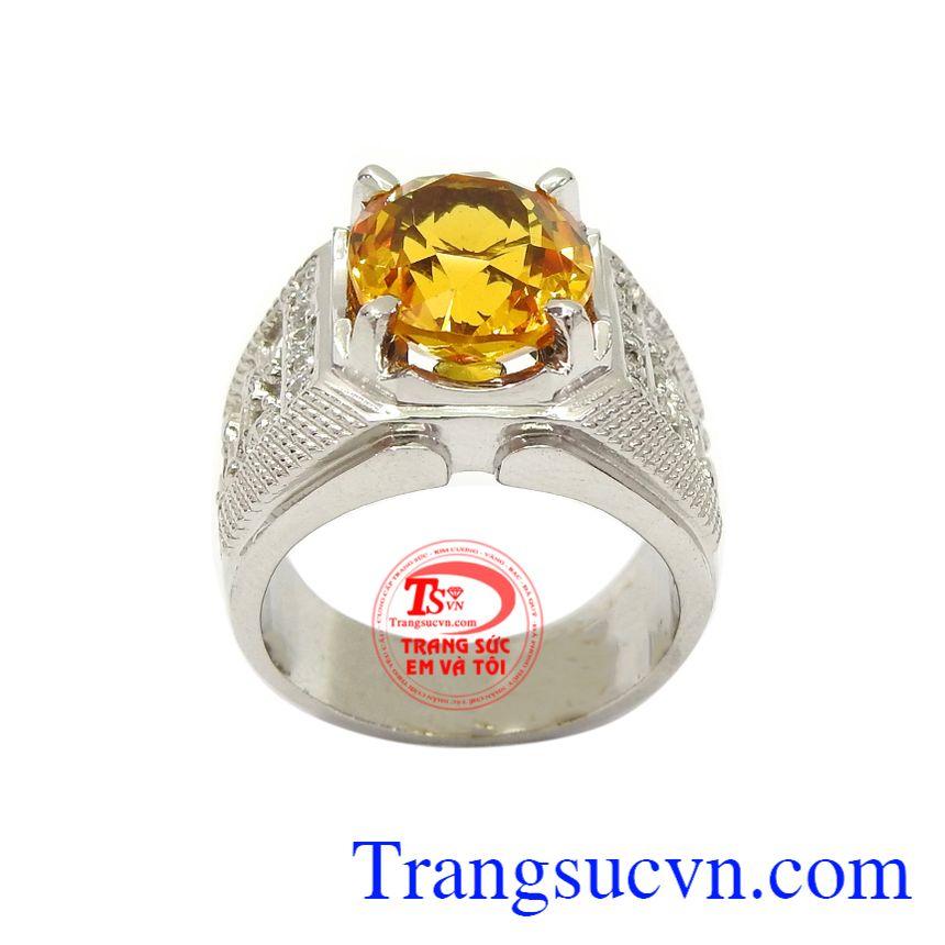 Nhẫn bạc thạch anh vàng đẳng cấp phù hợp phong cách thời trang sang trọng, thời thượng và mạnh mẽ của phái mạnh